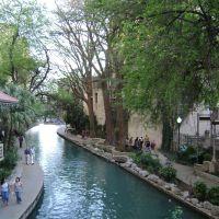 San Antonio Riverwalk, Пирсалл