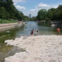 Swimming at Barton Springs, Роллингвуд
