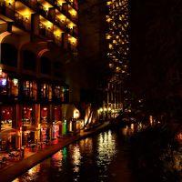 View of the riverwalk near Hilton Placio del Rio - San Antonio, TX - February 23, 2012, Сан-Антонио