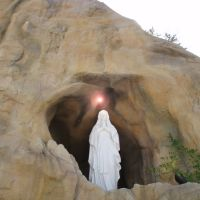 Houstons Replica of the Grotto at Lourdes (Our Lady of Lourdes Church), Эль-Кампо