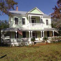 Apalachicola style Victorian, built in 1907, historic Apalachicola Florida (11-27-2011), Апалачикола
