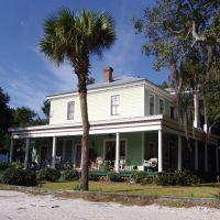 Colonial Revival, built in 1889, historic Apalachicola Florida (11-27-2011), Апалачикола