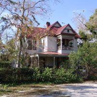 Victorian with Apalachicola style balcony, historic Apalachicola Florida (11-27-2011), Апалачикола