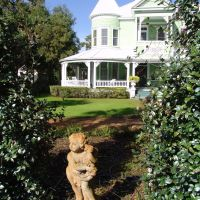 Queen-Anne Victorian, historic Apalachicola Florida (11-27-2011), Апалачикола