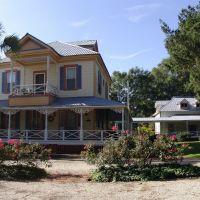 Apalachicola style Victorian, historic Apalachicola Florida (11-27-2011), Апалачикола