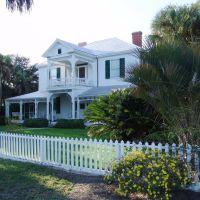 Apalachicola style Victorian, 1873,1881 Grady-Hodges house, historic Apalachicola (11-26-2011), Апалачикола