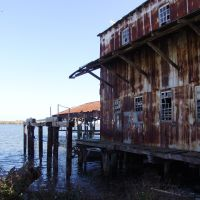 historic Oyster packing house on the banks of Apalachicola Bay (11-26-2011), Апалачикола