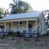Creole Cottage near the banks of the Blackwater River, Bagdad Fla (12-31-2011), Багдад