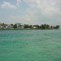Waterfront houses, Бал-Харбор