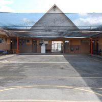 Patio del centro juvenil, Белл-Глейд
