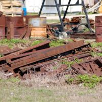 Rusted Track Parts at Clewiston, FL, Гарлем