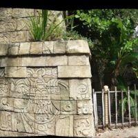 Mayan Temple - Palm Beach Zoo, Глен-Ридж