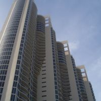 Hotel beside Monaco Resort, Sunny Isles Beach, Голден-Бич