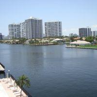 Aventura, vista desde Hallandale - Florida, Голден-Бич
