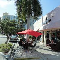 Cafe Volare, Голливуд