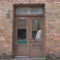 old building door, Green Cove Springs (9-13-2011), Грин-Ков-Спрингс