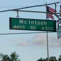 McIntosh Road, Довер