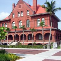 Big Building in Key West, Ки-Уэст