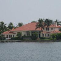 Beautiful house in Lagon side of the Boynton Beach Florida, Лантана
