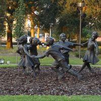 Statue at Largo Park, Ларго