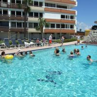 At the pool!  (Redington Towers), Мадейра-Бич