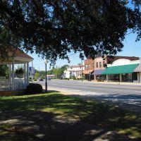 Downtown Marianna looking west on US 90, Марианна