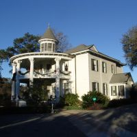 historic 1895 Russ house, Marianna Fla (1-3-2012), Марианна