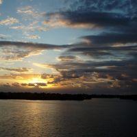 Sunrise over Sykes Creek, Мерритт-Айленд