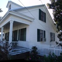 1855 Captain Neuman-Rube Smith house, Creole Cottage (12-31-2011), Милтон