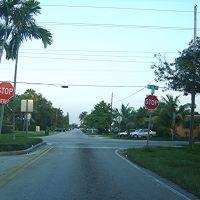 Calle 143 NE y la 16 Ave, Норт-Майами