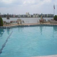 One of the pools @ the Moorings, Норт-Майами-Бич