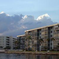 Point East South Side, Норт-Майами-Бич