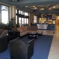 Sano Jet Center Lobby, Норт-Эндрюс-Гарденс