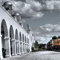 Freight Train Blows Through Town - Orlando, FL, Орландо