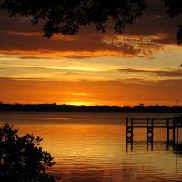 Sunset at Osprey Pier, Оспри