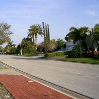 Street on Treasure Island, Саут-Пасадена