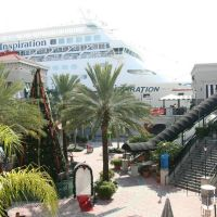 Cruise Liner at Channelside in December, Тампа