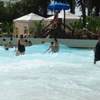 Endless Surf - Adventure Island wave pool, Темпл-Террас