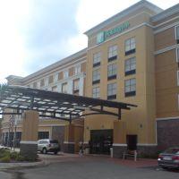 Holiday Inn, Ферри Пасс