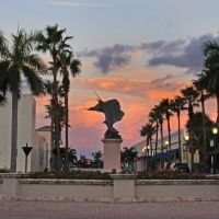 sunrise sailfish statue, Форт-Пирс