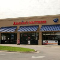 Americas Mattress at Winter Haven, FL, Элоис