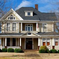 115 Broadus Ave, Greenville, SC - 1900 Queen Anne/Colonial Revival, Гринвилл