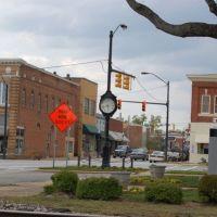Clinton Clock at E Main Street, Клинтон