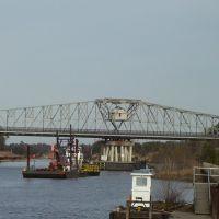 North Myrtle Beach Bridge, Хемингуэй