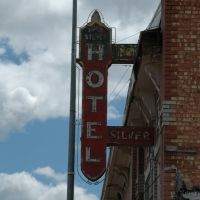 Milford, UT - Hotel Silver neon sign, Милфорд