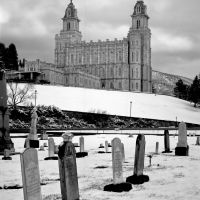Cemetery and Manti LDS Temple, Харрисвилл