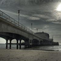 Bournemouth Pier in Winter Sunlight, Борнмут