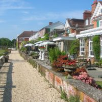 The Chewton Glen Hotel, Милтон Кинз