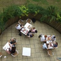 Breakfast time at Oxford Youth Hostel (IYHF) from the balcony of Room 229, Оксфорд