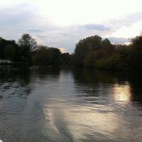 Stratford from river, Бас